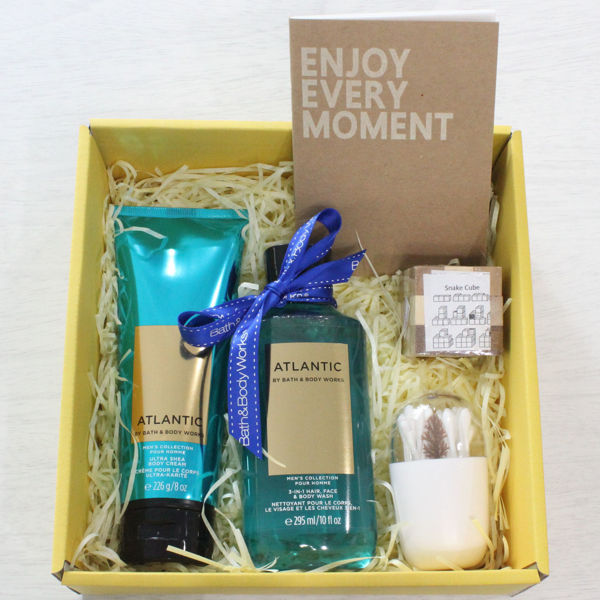 Out of the blue Gift Box